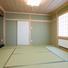仏間、床の間を設けた本格的な和室。