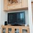 豊漁と安全を願う神棚、その下のテレビボードは造り付け。